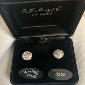 NWOT Diamond cluster stud earrings